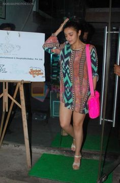 Alia Bhatt snapped at Copa on 20th april 2015 / Alia Bhatt - Hamara Photos