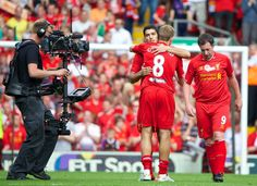 Luis Suarez reveals Steven Gerrard influence in decision to stay at Liverpool #LFC