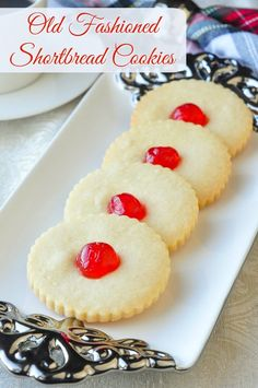 Old fashioned Shortbread Cookies - simple buttery perfection. - Old Fashioned Shortbread Cookies. A life-long love of shortbread cookies has meant many variations - Buttery Shortbread Cookies, Shortbread Recipes, Simple Shortbread Recipe, Galletas Cookies, Xmas Cookies, Christmas Shortbread Cookies, Candy Cookies, Holiday Baking, Christmas Baking