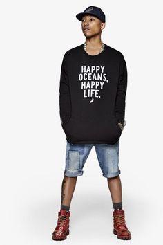 """""""Glückliche Ozeane, glückliches Leben"""" - diesem Motto hat sich Pharrell Williams für seine """"RAW For The Oceans""""-Kollektion verschrieben."""