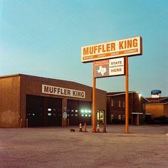 いいね!121件、コメント2件 ― Efren Lozano(@efrenlozano)のInstagramアカウント: 「Muffler King. Dallas, Tex. 2019. #filmcommunity #filmisnotdead #shootfilm #shootmorefilm…」