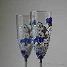 Grillage de verres flûtes de saphir bleu par NevenaArtGlass sur Etsy