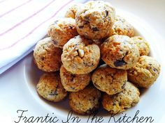 Savvy Saveur - in the Kitchen and Home Healthy Biscuits, Coconut Flakes, Coconut Oil, Sugar Free Chocolate, Vanilla Essence, Almond Recipes, Fodmap, Easy Meals, Healthy Eating