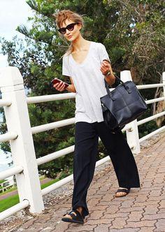 Street Style: Australia Fashion Week 2014 - Vogue- so laid back Moda Australiana, Oversized White T Shirt, Street Chic, Street Style, Sydney Fashion Week, Fashion Gone Rouge, Love Fashion, Fashion Trends, French Fashion