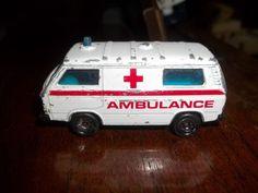 1987 Matchbox - Volkswagen Transporter Ambulance - Loose