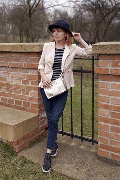 Babie letá: 50+: Jarný outfit, sako z teplákoviny a hryzenie svedomia