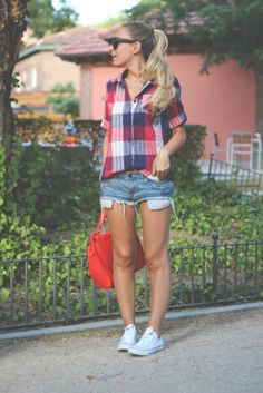 Queens Wardrobe  Shirt, Blanco  Shorts and Zara  Bags