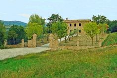 Semi restored stylish 3 bedroom farmhouse for sale with large annex in the picturesque hills a few kms the historic town in Le Marche of Camporotondo di Fiastrone in the Macerata Province #properties #realestate #luxury #italy #marche
