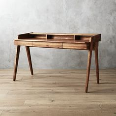 Drommen Desk by Jannis Ellenberger