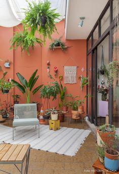 Exterior De Casas Pintura Cafe New Ideas Patio Interior, Interior And Exterior, Diy Exterior, Cafe Exterior, Bungalow Exterior, Exterior Shutters, Exterior Signage, Exterior Stairs, Craftsman Exterior