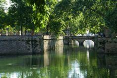 Le Canal de la Fontaine a longtemps alimenté la ville en eau pour sa population mais aussi pour ses activités industrielles Nimes France, Population, Tourism, Water