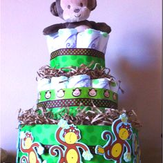 My first diaper cake made especially for the monkey Slade :)