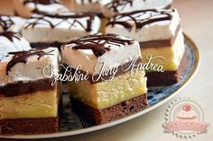 Somlói szelet Hungarian Desserts, Hungarian Cake, Hungarian Recipes, Hungarian Food, Sweet Cookies, Cake Cookies, Delicious Desserts, Yummy Food, Cake Bars