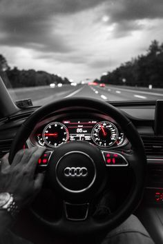 Audi enfoque en rojos