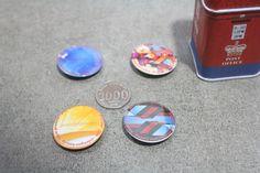www.cetakpinmurah.com hub 0857 1050 4473, menerima jasa cetak pin peniti 25 mm, 32 mm, 44 mm, 58 mm, 75 mm, pin dasi, pin buka botol, pin magnet, pin topi, pin tas, pin kerudung, pin bros, pin celengan, gantungan kunci buka botol, gantungan kunci magnet, gantungan kunci ermin, gantungan kunci 2 sisi, gantungan kunci bolak balik, gantungan kunci kaca, gantungan kunci murah, juga menyediakan handuk bordir, kipas promosi, jam dinding promosi, sablon kaos manual, cetak mug murah, celengan…