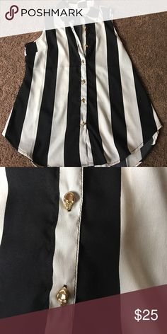 Striped button up tank (skull buttons) NWOT. amazing top for summer. Skull gold buttons. So cute and stylish. UNIF Tops Tank Tops
