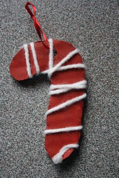Easy Christmas crafts for kids - several ideas....3....candy cane....mittens....ginger bread man ornaments...3...dec