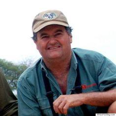 Le chasseur Ian Gibson piétiné à mort par l'éléphant qu'il tentait de tuer pour son ivoire