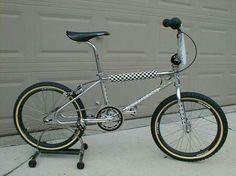 Diamondback bmx Diamondback Bmx, Vintage Bmx Bikes, Bmx Freestyle, Bmx Bicycle, Old School, Racing Bike, Badass, 1980s, Skate