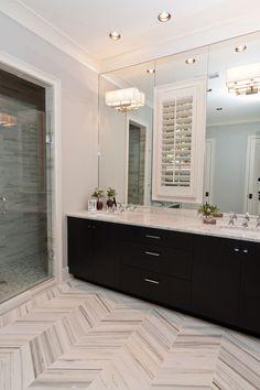 Amazing marble herringbone floor by Anna Baskin Lattimore Design via Houzz! #laylagrayce #herringbone #marble #bathroom