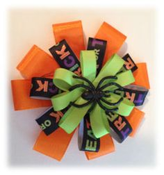 Learn How to Make Hair Bows! Learn How to Make Hair Bows! Ribbon Hair Bows, Diy Hair Bows, Diy Bow, Ribbon Rose, Ribbon Flower Tutorial, Hair Bow Tutorial, Flower Diy, Adornos Halloween, Halloween Bows