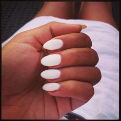 Nails, gel, pointy nails, white