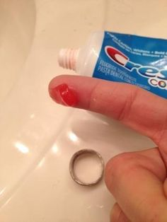 Cleaning wedding rings with toothpaste