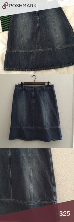 Halogen Jean skirt Perfect jean skirt for the fall. One of my favorites. Pair it with some boots and a sweater! No flaws. Approximately 23 inched long. 🔴 please no trades. Use offer button🔴 Halogen Skirts A-Line or Full