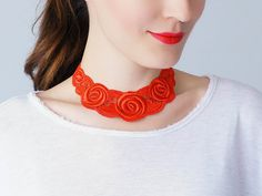 Ora // Red Necklace/ Venise Lace Necklace/ Lace Jewelry/ door EPUU