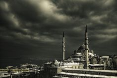¿Es o no Estambul, una ciudad de contrastes? | Cortesía del lente de Ludmila Yilmaz.