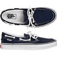 bfad4038ee19c7 Van s Boat Shoes Like new. Fits size 5 women s but is men s youth size 2