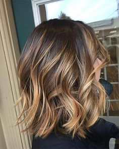 Brown Hair Colors Discover On the Rise Root-Lifting Hair Mousse for Colored Hair - Pureology Medium Hair Styles, Curly Hair Styles, Medium Hair Cuts, Medium Hair With Curls, Women's Haircuts Medium, Hairstyle For Medium Length Hair, Short Summer Haircuts, Hairdos For Short Hair, Medium Curly