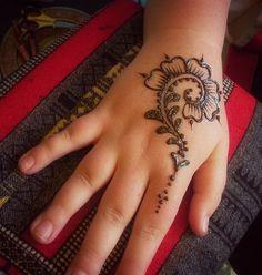 Flower Henna Mehndi Easy Designs