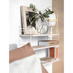 Contemporary Home Decor pin styling 6778388275 to think about for that wonderful room decor. Home Decor Styles, Home Decor Accessories, Home Interior Design, Interior Styling, Interior Colors, String Regal, String Shelf, Estilo Interior, Modular Shelving