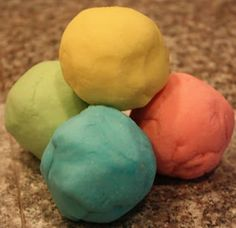 Repeat Crafter Me: Crock Pot Slow Cooker Play Dough Best Slow Cooker, Slow Cooker Recipes, Crockpot Recipes, Activities For Kids, Crafts For Kids, Sensory Activities, Sensory Play, Baby Crafts, Sensory Table