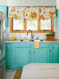 Turquoise cabinets brighten up this whole kitchen space! - OK, now I want all turquoise cabinets. Kitchen Redo, Kitchen Backsplash, Kitchen Remodel, Kitchen Ideas, Kitchen Paint, Nice Kitchen, Happy Kitchen, Küchen Design, House Design