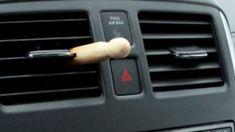 Sa voiture sentait toujours bon mais personne ne savait pourquoi. Découvrez comment faire ! Deodorant, Automobile, Car, Sachets, Voici, Mousse, Palette, Photoshop, Trucks