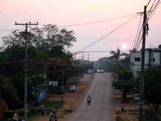 Sonnenuntergang über Villarrica / Paraguay ...