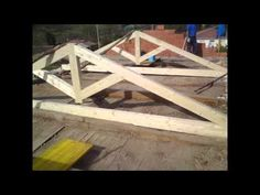 Tejados en León Reformas Arias, Reparación y rehabilitación, somos expertos en cubiertas de madera y forjados de hormigón. Garden Bridge, Pavilion, Outdoor Structures, Diy, Furniture, Wood, Wood Decks, Terrace Design, Wales