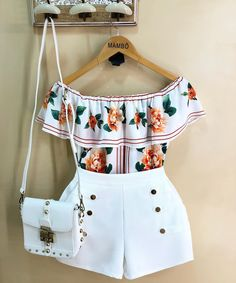La imagen puede contener: 1 persona Teen Fashion Outfits, Chic Outfits, Trendy Outfits, Kids Outfits, Girl Fashion, Baby Boutique Clothing, Black Women Fashion, Cute Summer Outfits, Frocks For Girls