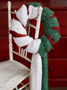 Top 10 Christmas Wreath Ideas - including this scarf wreath!  eclecticallyvintage.com