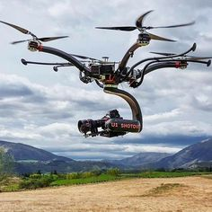 You Will Enjoy drone quadcopter With These Helpful Tips Latest Electronic Gadgets, Electronic Gifts, Drone Technology, Medical Technology, Energy Technology, Technology Gadgets, Tech Gadgets, Flying Drones, Cool Electronics