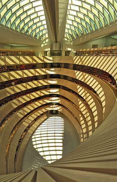 Bibliothek Des Rechtswissenschaftlichen Instituts Der Universität Zürich - Switzerland / 2004 / Santiago Calatrava