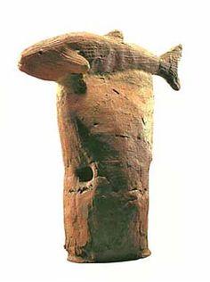 A fish / Kofun period art / Haniwa terracotta clay figure / CE / Chiba Japan Ceramic Animals, Ceramic Art, Ancient Japanese Art, Clay Figures, Indigenous Art, Fish Art, Ancient Artifacts, Animal Sculptures, Bronze Age