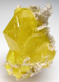 Sulfur on Aragonite