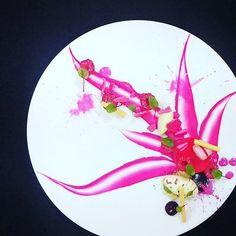 Raspberry - rose @ucokgultom #grateplates #gratechef #plating #style #instachef #instafood #cool #cook #chef #hipsterchef #pass #service #gastroskills #theartofplating #gastroskills #gastroart #restaurant #michelin #rosettes #gourmet #food #foodporn #love? #hate? #foodstarz #artistic #theartofplating #myroundplate by grateplates