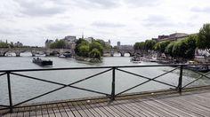 Paris ends affair with love locks