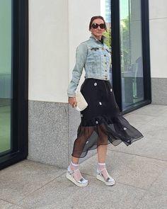 """Gefällt 64 Mal, 30 Kommentare - 𝙾𝚌𝚎𝚊𝚗𝚋𝚕𝚞𝚎 𝚂𝚝𝚢𝚕𝚎 𝚋𝚢 𝚂𝙰𝙱𝙸𝙽𝙰 (@oceanbluestyle_at_manderley) auf Instagram: """"COMFY SANDALS 💋🖤🤍 Manchmal braucht es nur ein Paar bequeme Schuhe. Der neue Blogpost ist raus -…"""" Ballerinas, Pumps, Trends, Flats, Instagram, Comfortable Shoes, Couple, Loafers & Slip Ons, Ballet Flats"""