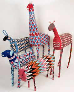 Transcending the ordinary handeye craft south african design, african desig South African Design, South African Art, Diy And Crafts, Arts And Crafts, Afrique Art, Art Perle, African Crafts, Art Africain, Paperclay