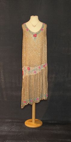 1920s beaded flapper dress with flower detail